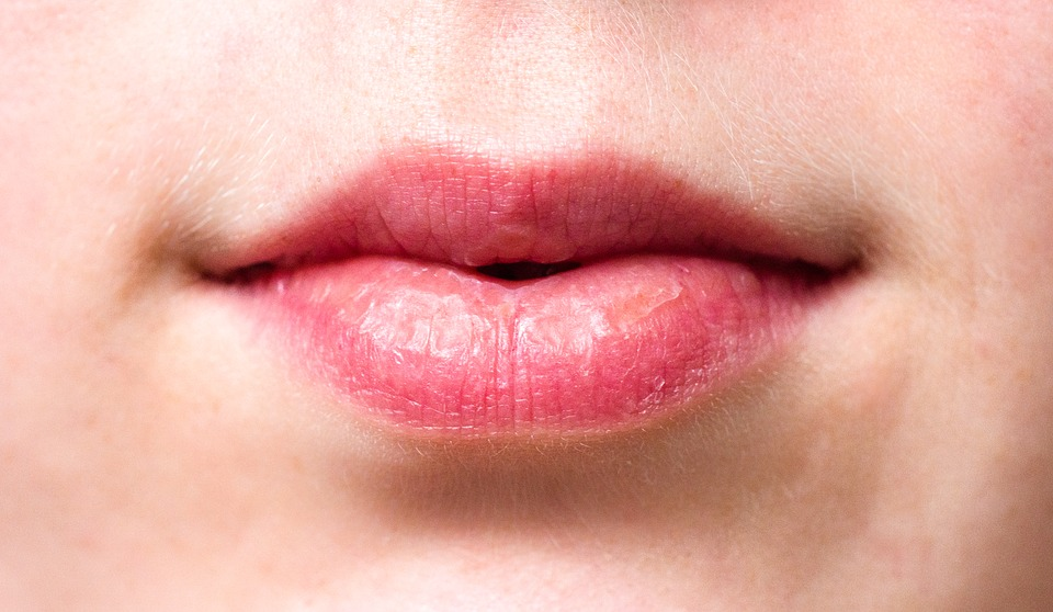 3 Tips to Exfoliate Your Lips Correctly